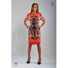 Елегантна вталена рокля с цветен принт